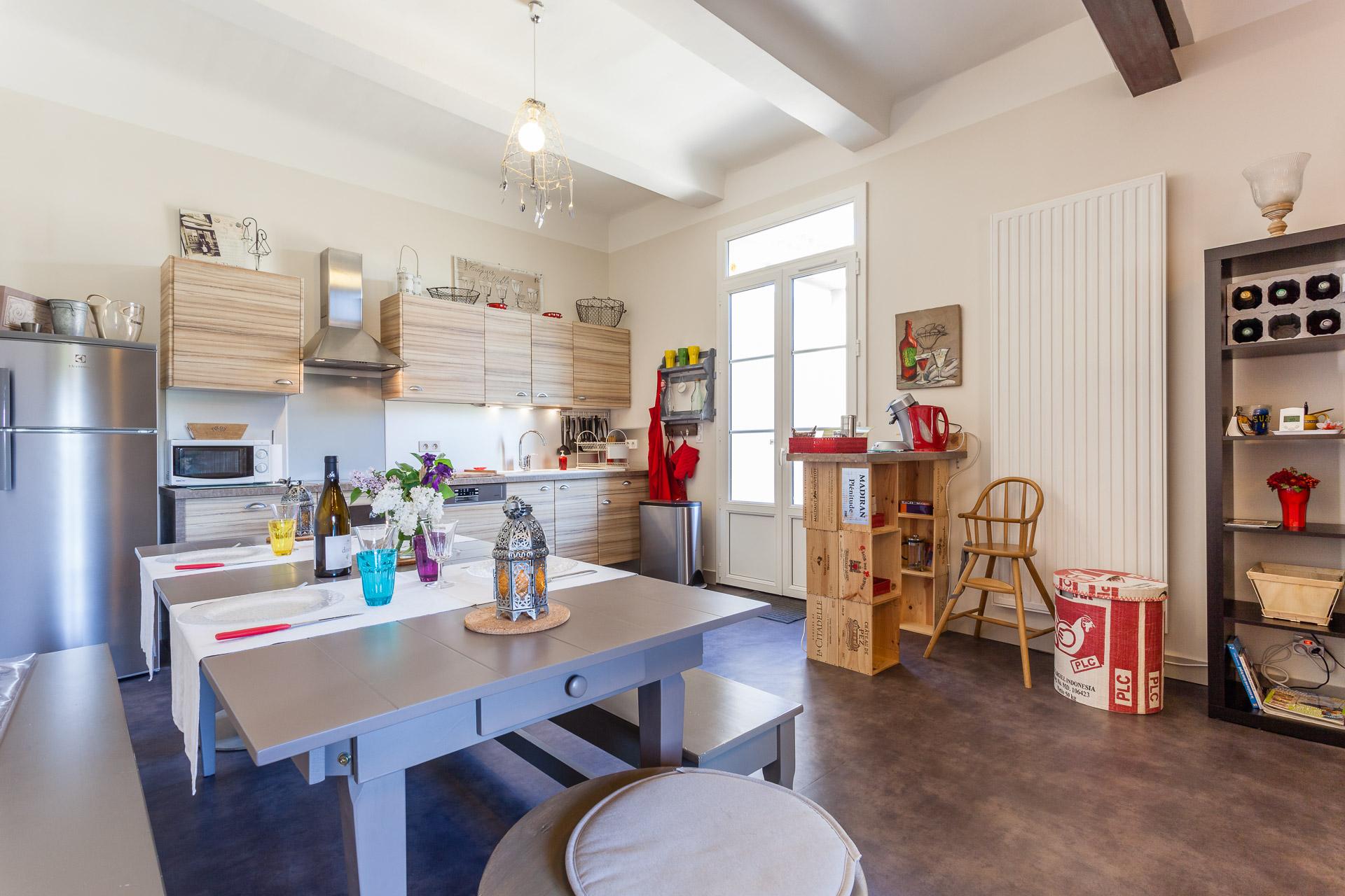 Salon et cuisine villa de luxe louer sur koh samui salon for Cuisine ouverte villa